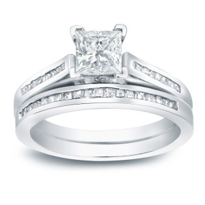 Platinum 1 1/2ct TDW Certified Princess-cut Diamond Halo Bridal Ring Set - Handcrafted By Name My Rings™